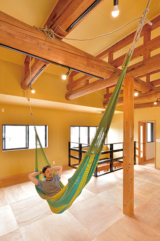 ito-pro イトープロ|2階は、子どもが小さいうちはワンルームのプレイルームに。成長に応じて間仕切り、そして巣立った後は再びワンルームに。そんな可変性の高い間取りが家を長持ちさせる