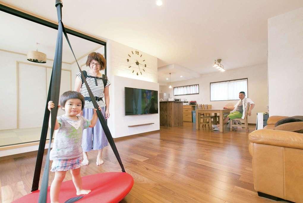 「ロ」の字型の住空間が暮らしを楽にし、家族をつなぐ