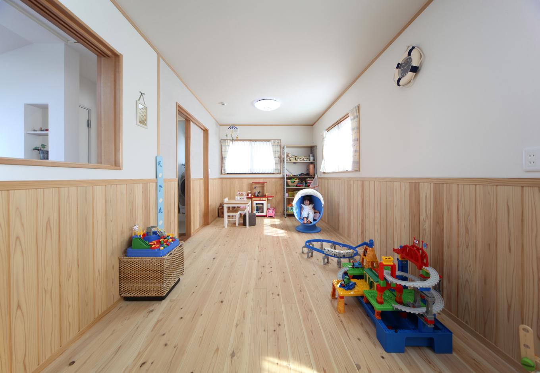 ソーラーホーム/OMソーラーの家【デザイン住宅、子育て、省エネ】LDKや主寝室とは対照的に、子供部屋は「やさしい雰囲気の自然素材の中で子どもを育てたい」と、ナチュラルな素材と色合いを選択した