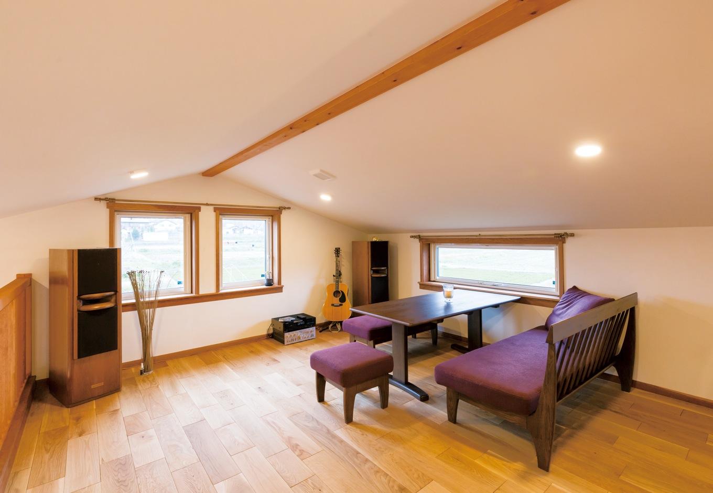 片桐建設【デザイン住宅、子育て、輸入住宅】2階は第二のリビングルーム。お子さんにとってはちょっとした冒険や旅行の気分で、よくご家族で過ごすそうだ