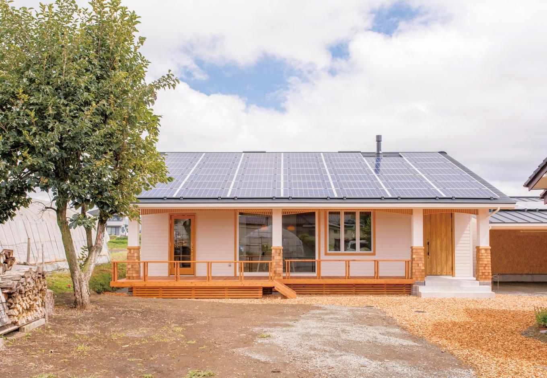 片桐建設【デザイン住宅、子育て、輸入住宅】一見では、平屋にも見える。南側の開口を大きくしたことで、家の中全体に光と風が行き渡るようにした