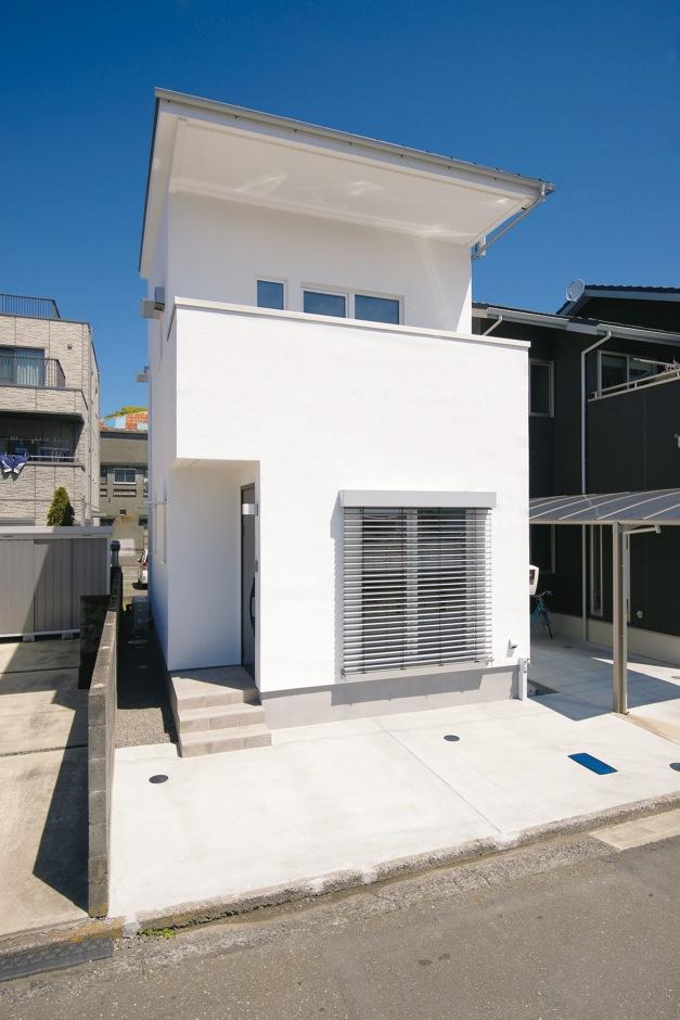 低燃費住宅 静岡(TK武田建築)【自然素材、省エネ、間取り】50年以上塗り替える必要がない外壁アルセコを使用