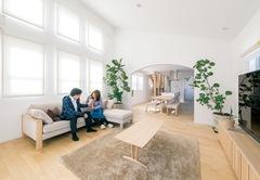 光と視線をデザインして快適な空間を手に入れた家