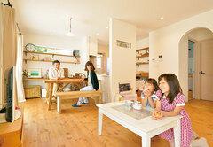 自然素材に雑貨が映える 手作り感のあるかわいい家
