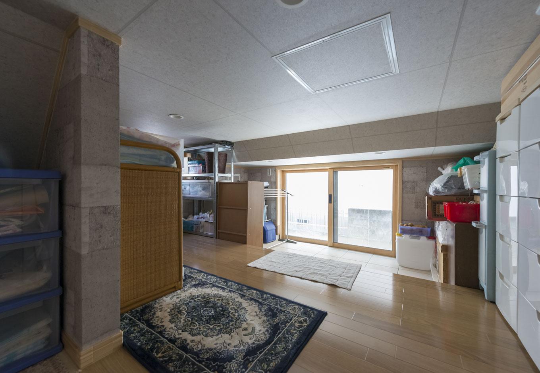 イーホーム【収納力、二世帯住宅、スキップフロア】床面積に算入されない大きな収納空間「E-BOX」土間続きで多少の土汚れも気にせず使える