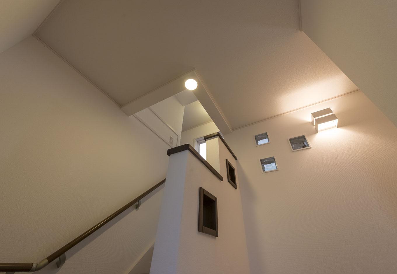 イーホーム【収納力、二世帯住宅、スキップフロア】照明までトータルコーディネートすることにより統一感のある家に仕上がった