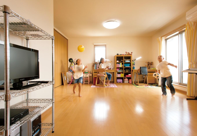 内田建設【子育て、建築家、ガレージ】子ども部屋は16畳と、かなり広々