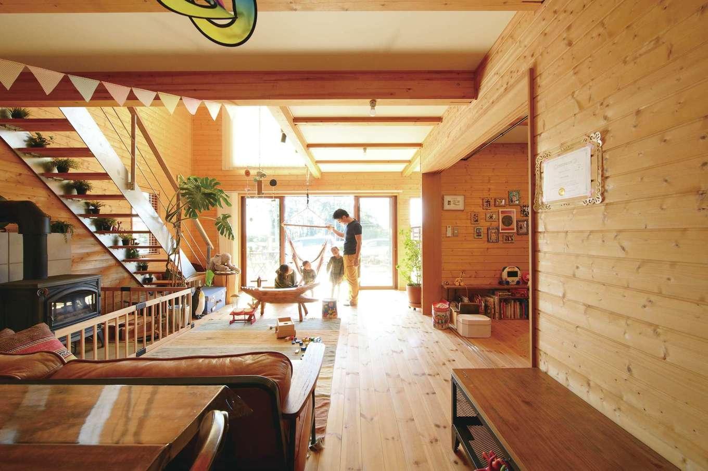 BESS浜松【デザイン住宅、子育て、趣味】『BESS』のラインナップで最も人気が高い「ワンダーデバイス」は、外と中の境界がないのが特徴。粗削りだけど、威風堂々とした空間で自分たちらしい暮らしを楽しむ