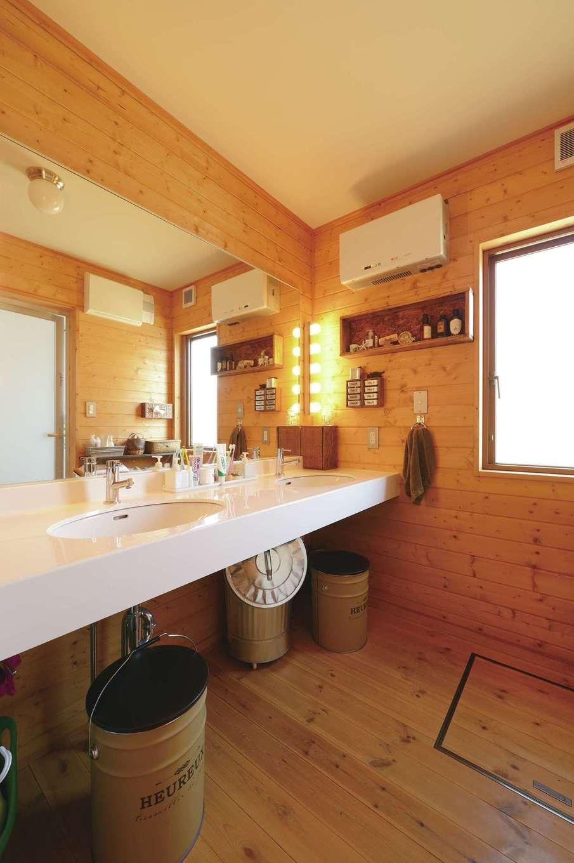 BESS浜松【デザイン住宅、子育て、趣味】このモデルでは2ボウルの洗面台が標準仕様。女子が多いY家にとって大助かり