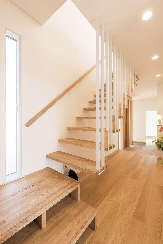 建杜 KENT(大栄工業)【和風、間取り、建築家】まるで宙に浮かんでいるようなスケルトン階段も素敵