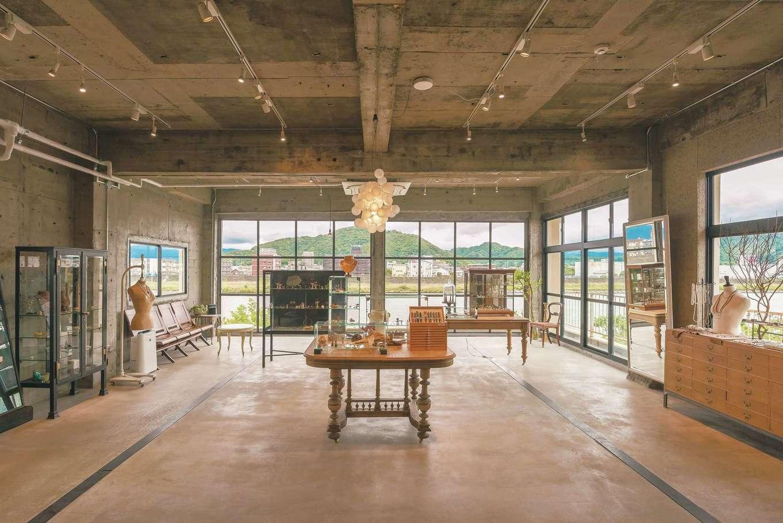 建杜 KENT(大栄工業)|狩野川の景色が広がる3階の店舗ペース
