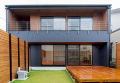 休日を家で楽しむ開放的なデザイナーズハウス