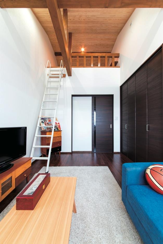 小玉建設【デザイン住宅、二世帯住宅、自然素材】「ロフトがほしい」という長男の思いを実現した居心地の良い部屋