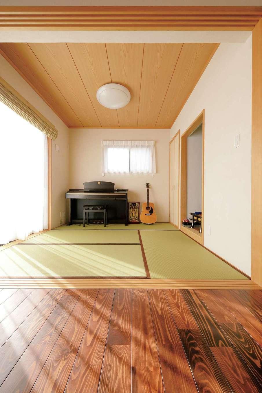 タツミハウジング【自然素材、省エネ、間取り】リビングの隣の和室は仏間付き