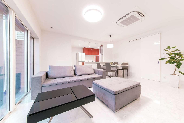 irohaco (アヴァンス)【二世帯住宅、ガレージ、デザイン住宅】親世代が暮らす1階のLDK。動線がコンパクトで暮らしやすい