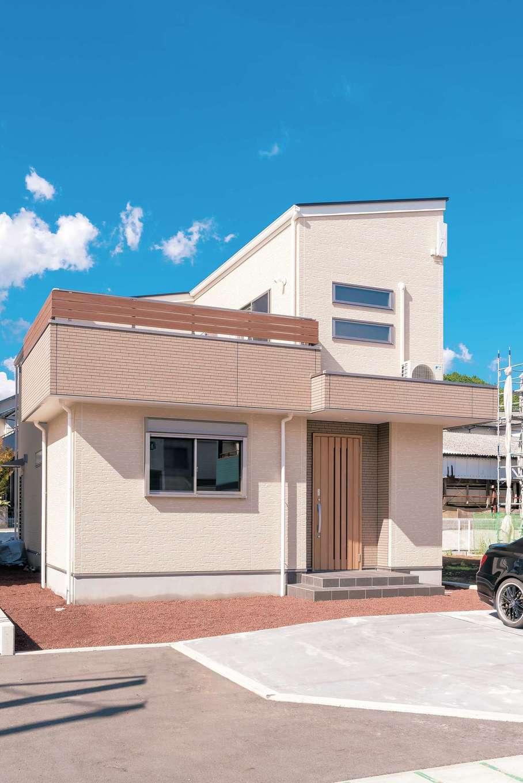irohaco (アヴァンス)【収納力、間取り、趣味】東向きに建つN邸。南側にテラスとバルコニーを設け、家の中に光と風を導き入れるように設計