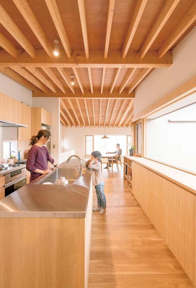irohaco (アヴァンス)【デザイン住宅、子育て、間取り】アイランドキッチンを選んだら、使い勝手がよくて料理が楽しくなった