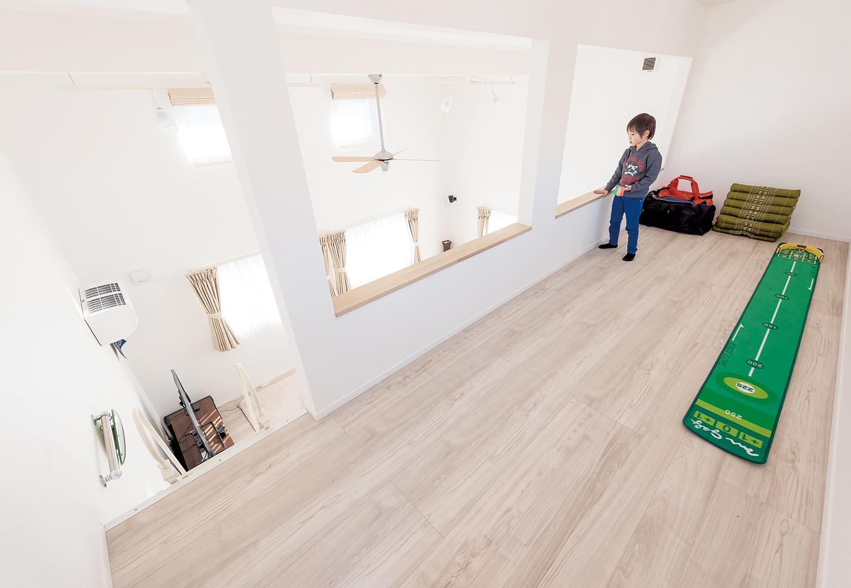 irohaco (アヴァンス)【1000万円台、趣味、屋上バルコニー】ロフトは大人が立ったまま移動できる高さ。Yさんの甥っ子たちもお気に入りの隠れ家だ