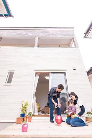 irohaco (アヴァンス)【1000万円台、子育て、狭小住宅】リビングからそのまま出られるウッドデッキ