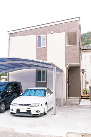 irohaco (アヴァンス)【1000万円台、子育て、狭小住宅】L字型の土地の特徴を活かしたら、車好きのご主人と奥さまの愛車、2台分のスペースがバッチリとれた