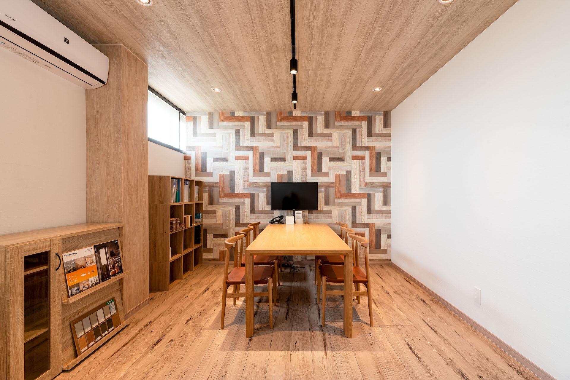 irohaco (アヴァンス)【駿東郡清水町堂庭241-22・モデルハウス】デザインテイストが異なる打ち合わせルームが2つ用意されている3階フロア