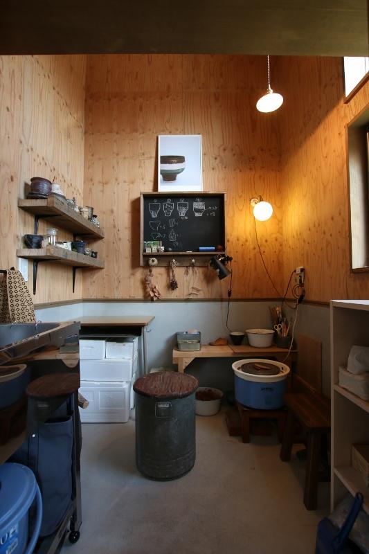 Select工房【デザイン住宅、趣味、ガレージ】奥さまの陶芸工房には、親子で塗った黒板を設置。奥さまがアイデアを描くのに大活躍!