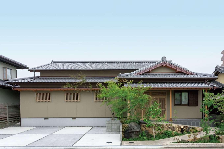 カネタケ竹内建築【和風、二世帯住宅、夫婦で暮らす】屋根を一文字葺きにしてシンプルを極めた外観