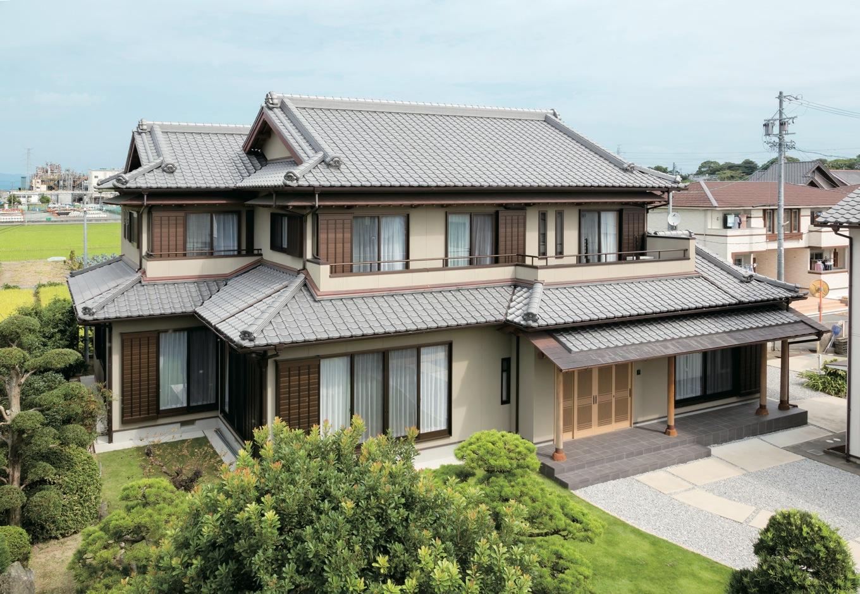 より強固に、より安全な住まいを追求した檜五寸柱の家。職人達の命が吹き込まれて完成した家は、日本人に生まれてよかったと実感する住み心地
