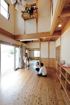 国産無垢材を贅沢に使った空気のおいしい家