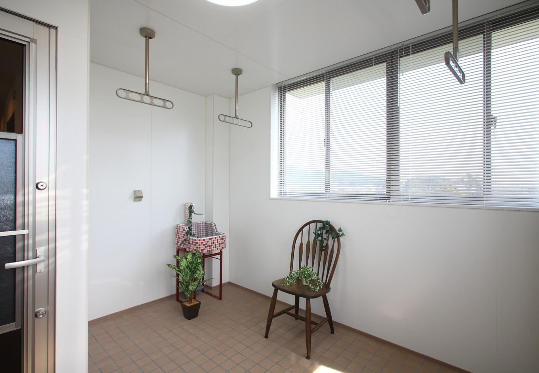 アイ・ディー・スリー 池田建設【省エネ、屋上バルコニー、鉄骨鉄筋コンクリート構造】花粉症の家族が居る家庭には室内物干し場(インナーテラス)がお勧め。雨の日でも安心して洗濯物を干す事ができる