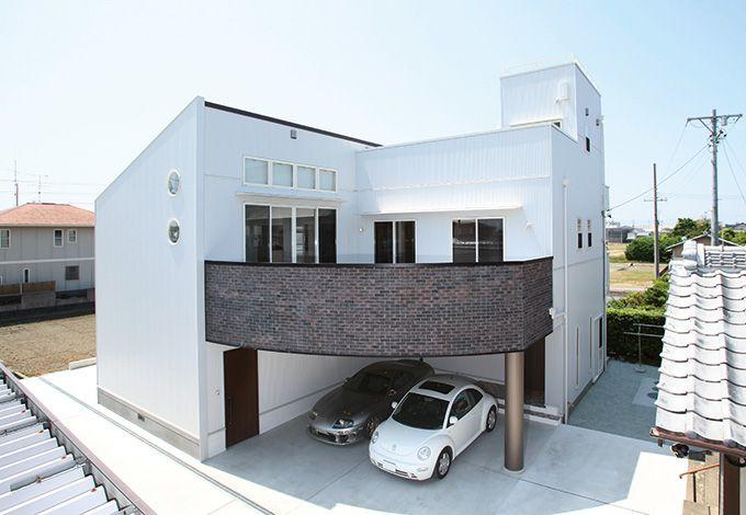 アイ・ディー・スリー 池田建設【屋上バルコニー、ガレージ、鉄骨鉄筋コンクリート構造】車好きのご主人もお気に入りのガレージ。重量鉄骨が支えるからこそのスペース