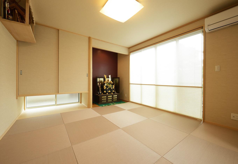 R+house三島(鈴木工務店)【デザイン住宅、和風、間取り】和室は緊張感を出さないよう、近年的なデザインに。地窓からの間接的な採光で雰囲気を出している