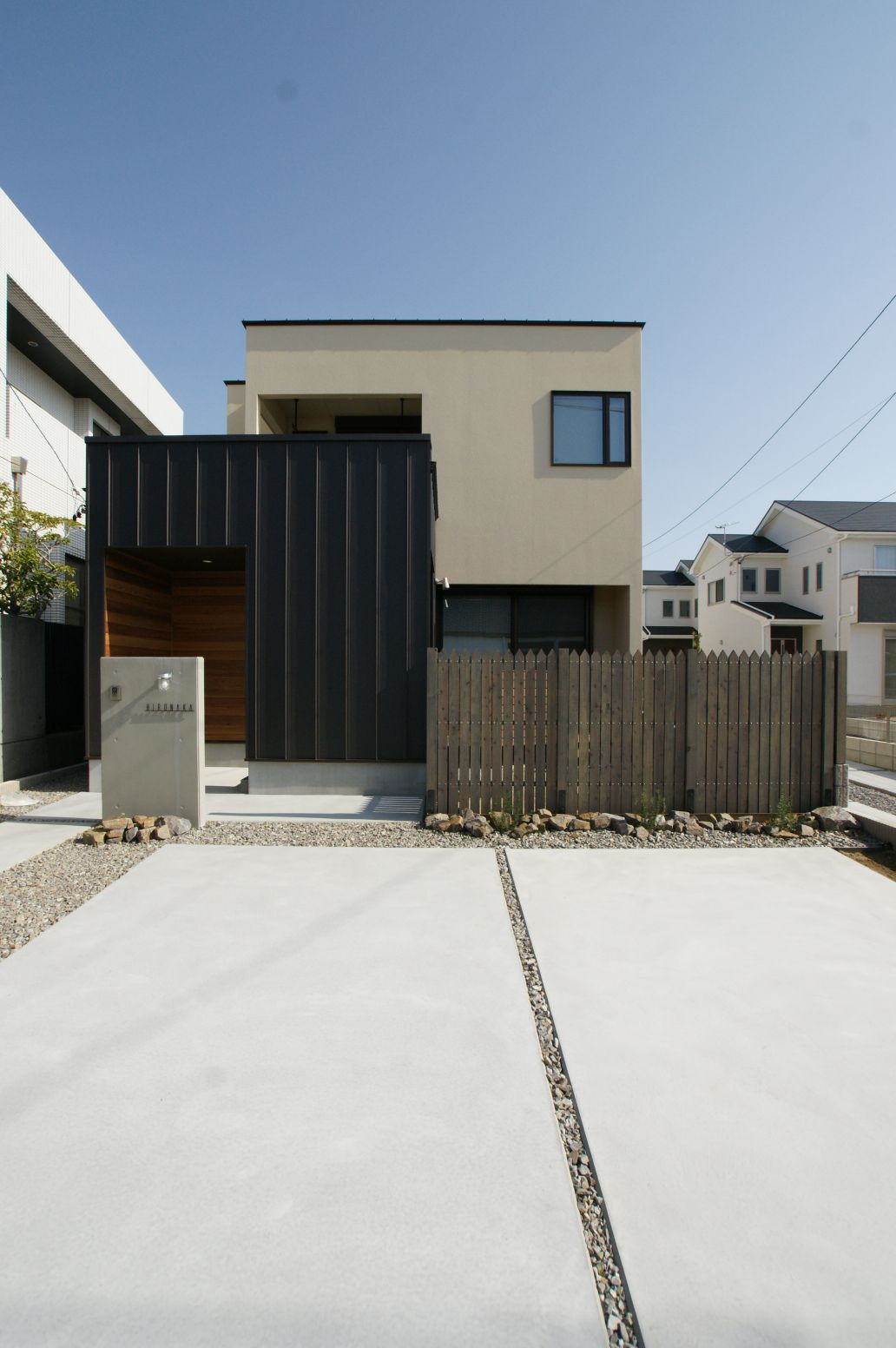 RIKYU (リキュー)【デザイン住宅、省エネ、インテリア】周囲の景観まで引き立たせる洗練された外観