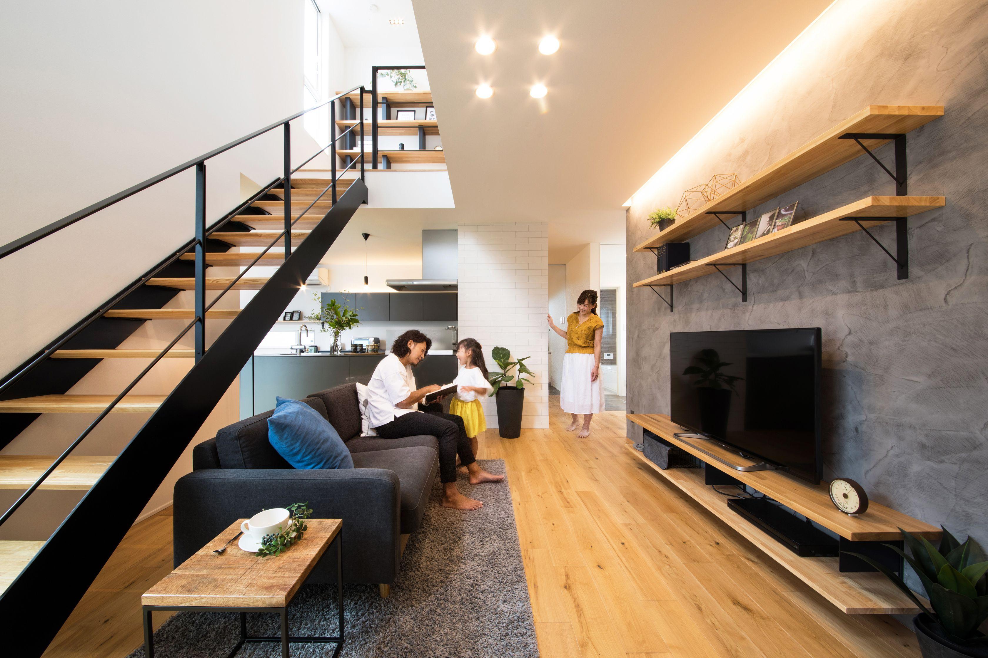 RIKYU (リキュー)【西尾市熊味町山畔65-9・モデルハウス】周囲と調和の取れたスクエアの外観。環境を考慮し窓は小さく人目を気にせず暮らせるようにしている