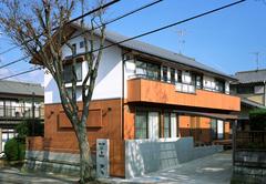 大開口の吹抜けが家族をつなぐ ALL自然素材の2世帯住宅