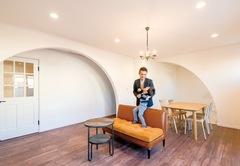 海辺の街、茅ヶ崎にふさわしい陽の光が映えるデザイン住宅
