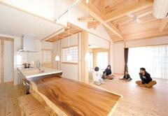 良質の天然素材と熟練の技で 美しさと心地良さを極めた家