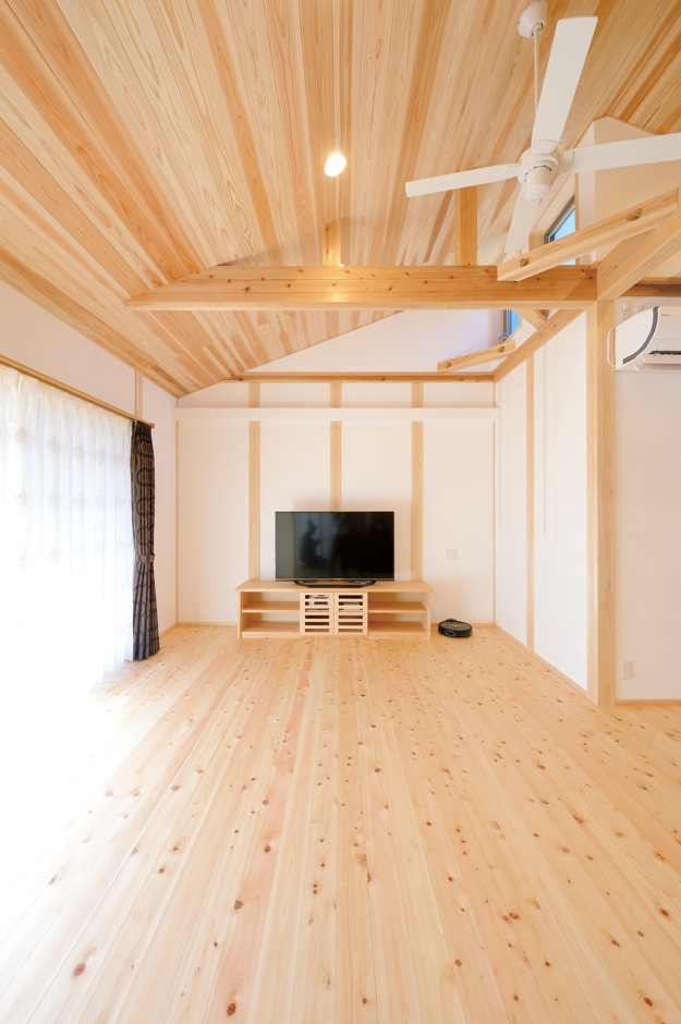 深見工務店 S-style【和風、自然素材、間取り】無垢材とカルクウォール漆喰、断熱材のセルロースファ イバーにより年中快適