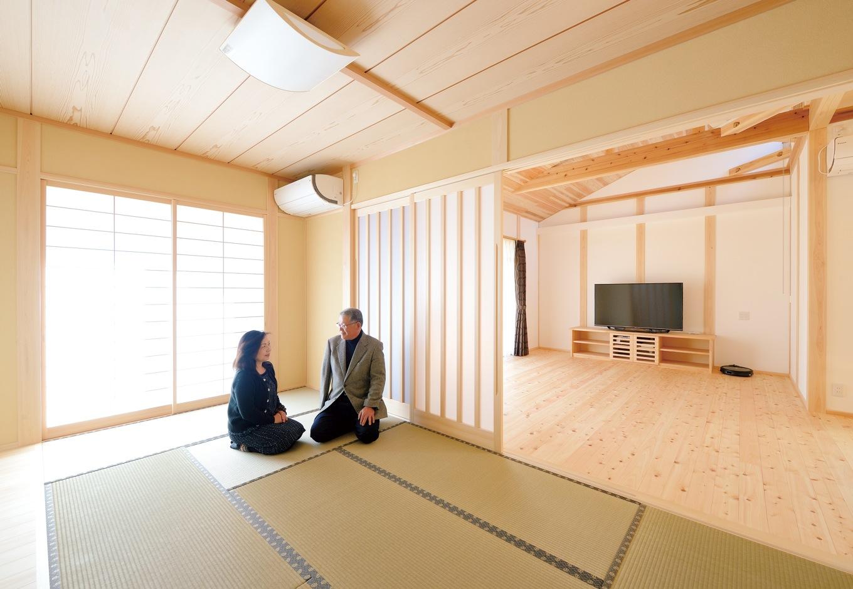 深見工務店 S-style【和風、自然素材、間取り】木の家には和室が良く似合う。ご夫妻にとって憩いの空間になり、大人数が訪れた時には、戸を開き、リビングと合わせてさらに大きな空間として使用