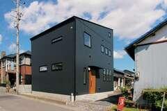 住みながらカスタマイズを愉しむ土間のある高性能住宅