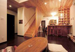 自然素材を贅沢に使った細部までフルオーダーの家