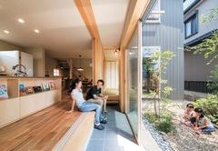雨音、虫の声、光と風… 自然とふれあう土間のある家
