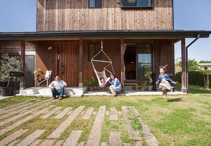 子どもと一緒に成長する山と川に抱かれた普段着の家