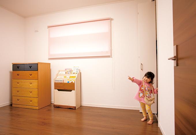 蔵一産業【デザイン住宅、収納力、二世帯住宅】子ども部屋の横スリット窓は、他社の見学会で見たお気に入りを再現