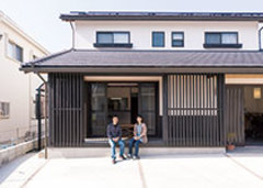 新しいのに懐かしい 京町家風のモダンな家