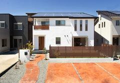 総額2,000万円で叶えた 自由設計&自然素材の家