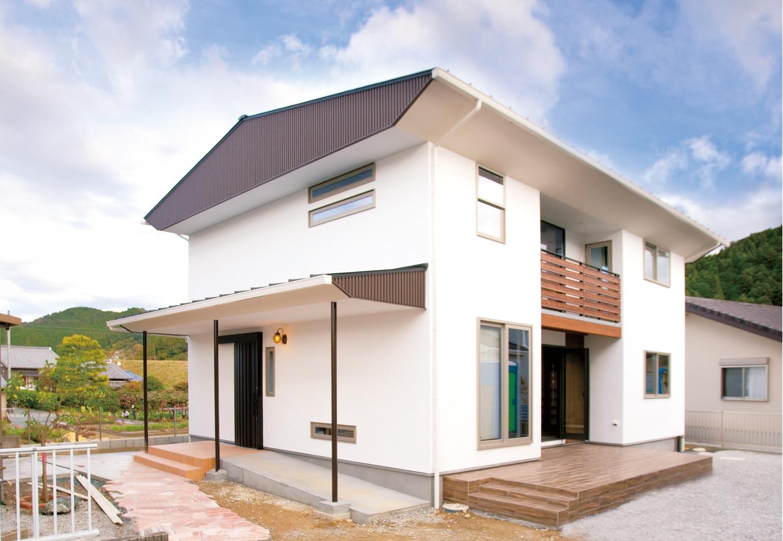 バリスタイルの心癒される 光と風が通う自然素材の家
