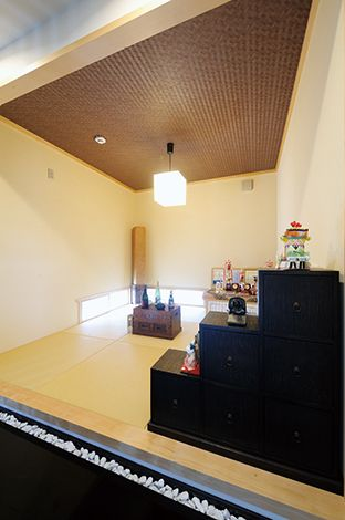 コバケンホーム(小林建設)【デザイン住宅、高級住宅、間取り】骨董家具が似合う和室で、夫婦でお酒を楽しむことも