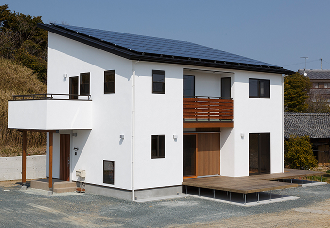 太陽光の売電でローン返済する無垢&自然素材の0円住宅