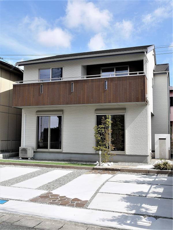 【安松町・分譲】閑静な住宅地に建つ4LDK+2S+小屋裏収納の住宅